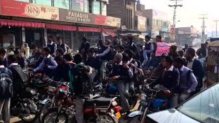 Video Saneha peshawar,,,,,mandi bahuddin main ehtjaj download MP3, 3GP, MP4, WEBM, AVI, FLV Mei 2018
