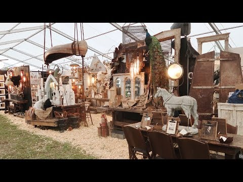 Hunting the Worlds Largest Flea Market, Round Top Texas Antiques Week