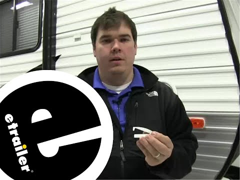 camco-rv-baggage-door-catches-review---etrailer.com