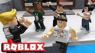 [ EVERYONE DANCES INSTEAD OF HACKING ] ROBLOX FLEE THE FACILITY