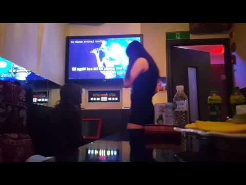Biển Cạn karaoke in busan city whith fiend