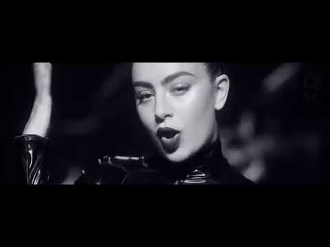 iggy-azalea-mo-bounce-ft-charli-xcx-official-video