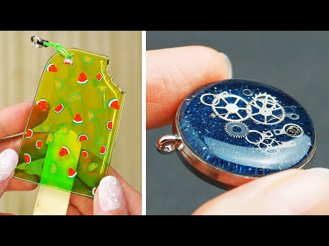 15 Epoxy Resin DIY Ideas JEWELRY IDEAS FOR TEENAGERS | FAIRY PENDANTS MADE OUT OF AN EPOXY RESIN