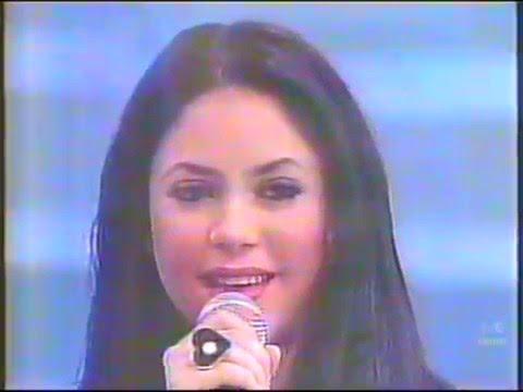 Shakira @ Raul Gil (Live in Brazil 1997) Estoy Aqui & Interview