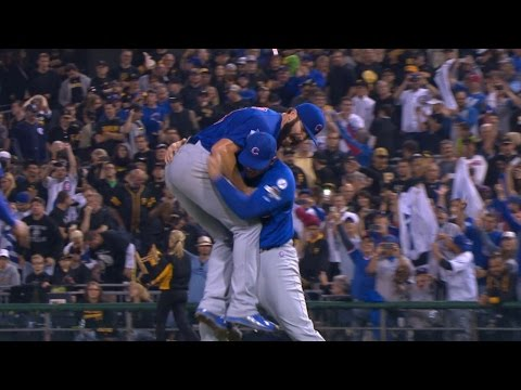 NL WC: Arrieta dominates, fans 11 in four-hit shutout