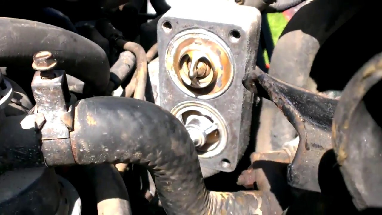 Ford f700 thermostat replacement and fan clutch  YouTube