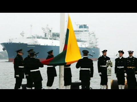 La Lituania saluta l'Independence, nave terminal per gas offshore
