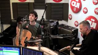 Session acoustique OÜI FM Republik - Don't Steal My Name + Always Crashing in the same Car.mp4