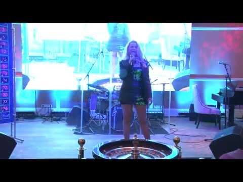 Lian Ross в казино Макао (полная версия выступления)