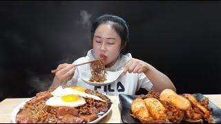 스팸 짜파게티에 계란후라이 올려서 핵폭탄 총각김치랑 야무지게 먹방 spam chapagetti & spicy chonggak kimchi mukbang