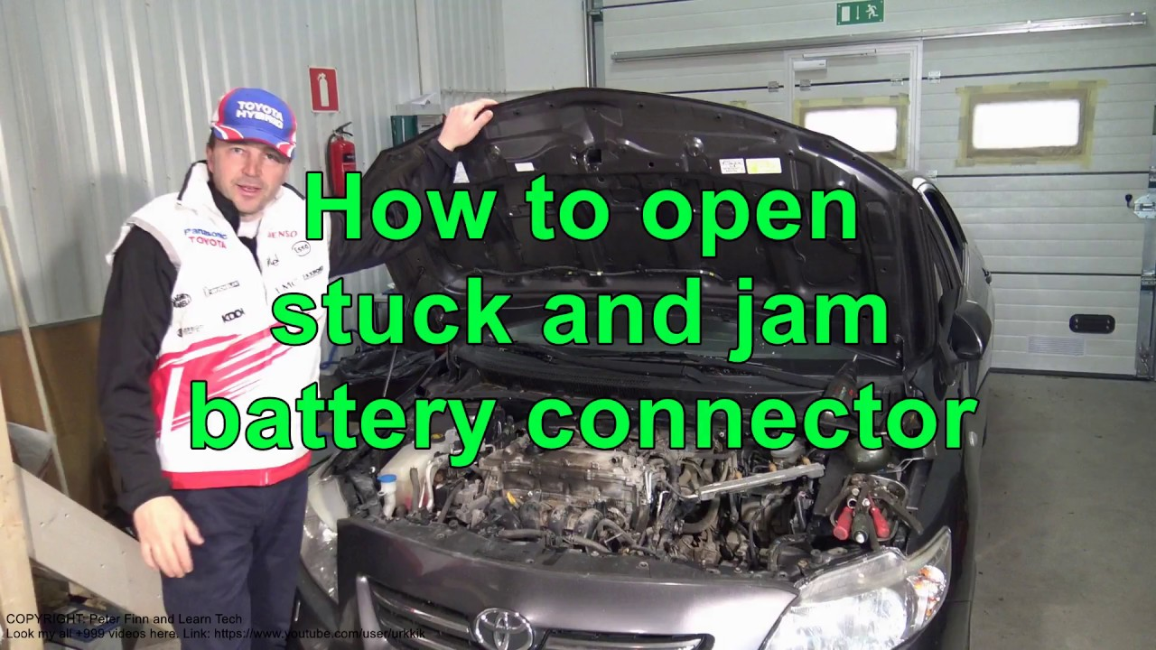 How To Open Stuck And Jam Battery Cable Connector Toyota Youtube