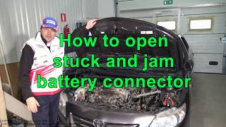 Video How to open stuck and jam battery cable connector. Toyota download MP3, 3GP, MP4, WEBM, AVI, FLV Juli 2018
