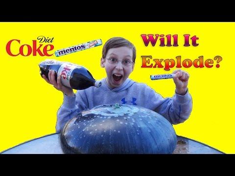 WUBBLE BUBBLE DIET COKE MENTOS EXPERIMENT - WILL IT EXPLODE? | COLLINTV