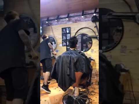 Sếp TiTi đi hớt tóc