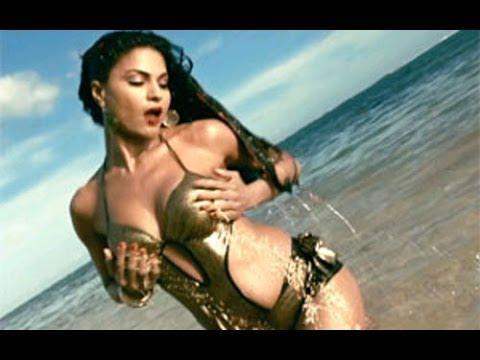 Supermodel | Veena Malik Erotic Scene