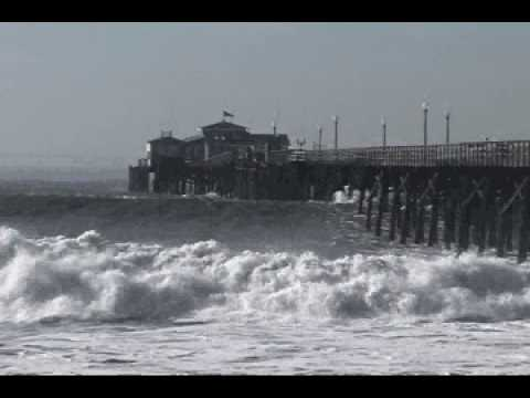 Huge Waves Crash into the Seal Beach Pier (2005)