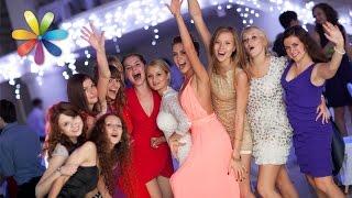 видео Как подобрать маникюр под модель свадебного платья?