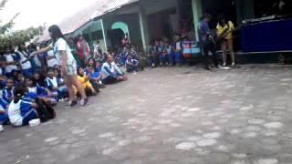 Repeat youtube video suCKer Aku Memilih Setia Live at Ultah SMP 4 Mojosongo ke 28