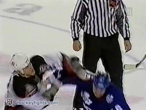 Darcy Tucker vs Adam Mair Jan 24, 2003