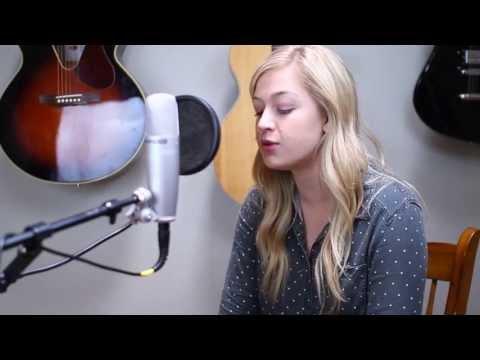 Julia Sheer - Flying Away - Oreo Wonderfilled Song
