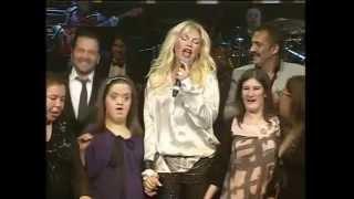 Sen İste - Ajda Pekkan & Ayşe Ağaoğlu (2010 Esirgemeden Konseri)
