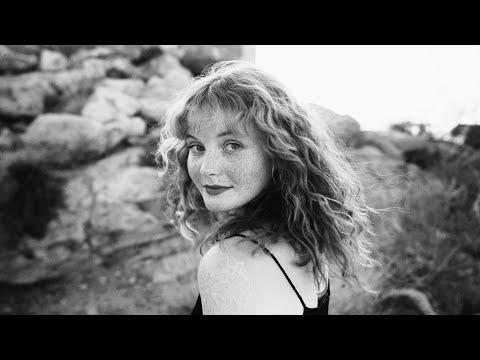 Смотреть клип Kacy Hill - Seasons Bloom