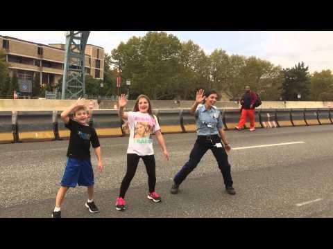 EMT and children dance 'Whip/Nae Nae'