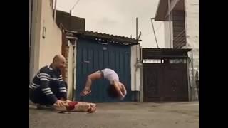 vuclip INCRÍVEL!  menino de 3 anos e o menor ginasta do mundo! Faz coisas inacreditável pelo tamanho dele
