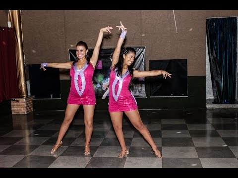 Baila Mundo - Dana Vargas e Andrelise Martins (Latin Party 26/01/2014)