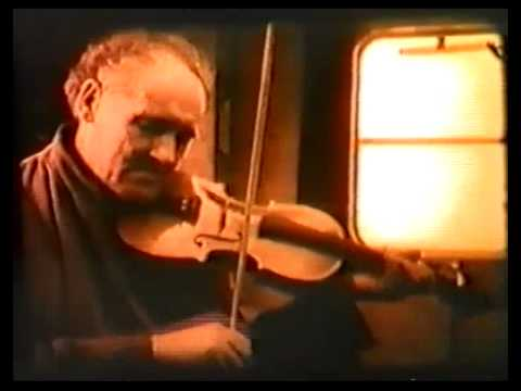 Download Johnny Doherty playing fiddle Part 1 of 2
