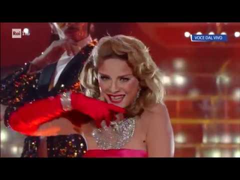 Antonella Elia è Madonna: Material girl  Tale e Quale Show 14092018