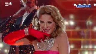 Antonella Elia è Madonna: