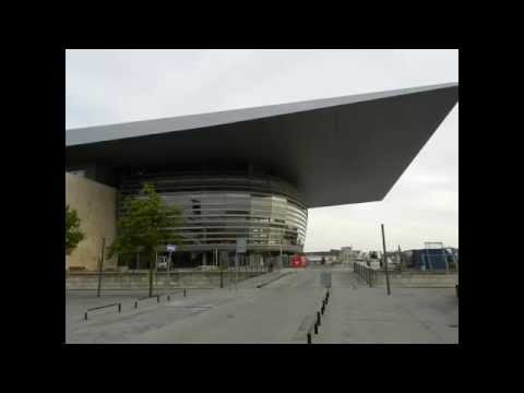 Copenhagen - Waterfront Opera House (Operaen på Holmen) and ferry arrival 2015 08 02