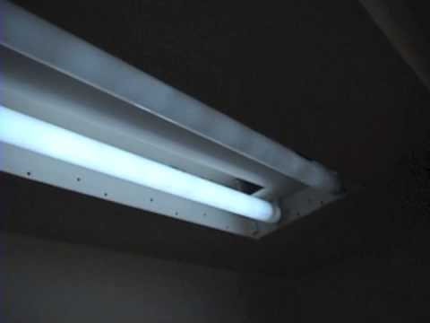 Mid 1970s Vintage Philips T12 40W Fluorescent 2x Fixture Whit Problems!