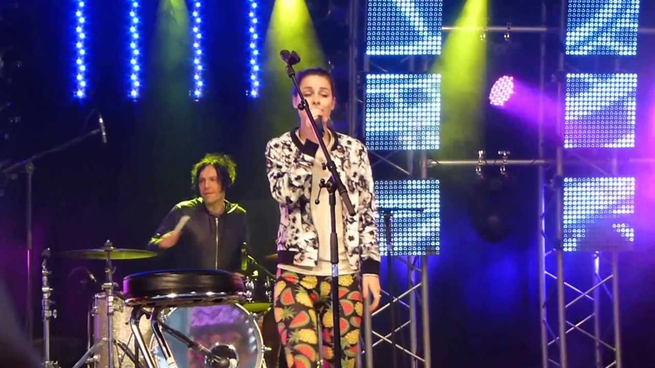 Lena Meyer-Landrut - Neon + I'm Black + Satellite - LIVE ...