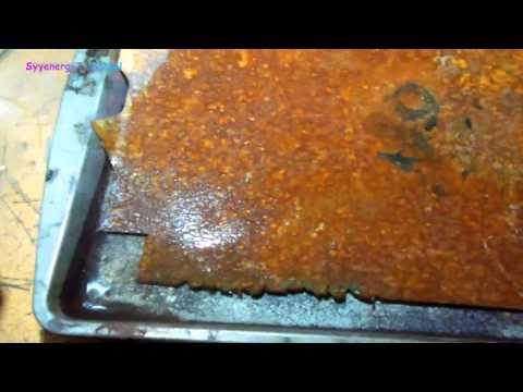 vinegar-cleans-heavily-rusted-metal-fast