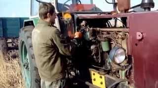 UMZ -6 , start engine D -65 tractor.ЮМЗ-6, запуск двигатель Д-65, трактор.(Канал Сельхоз ТВ - https://www.youtube.com/channel/UCqWRNduFfla6XYo3cnoHiTA., 2015-02-04T15:17:00.000Z)