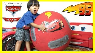 Repeat youtube video 100+ cars toys GIANT EGG SURPRISE OPENING Disney Pixar Lightning McQueen kids video Ryan ToysReview