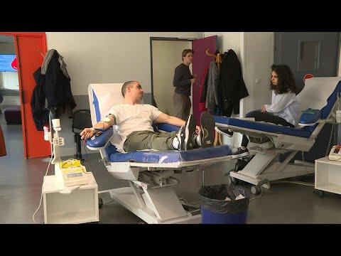 Coronavirus: à Toulouse, des donneurs de sang toujours aussi généreux   AFP