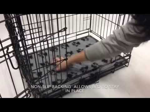 Demonstration of ProFleece Non-Slip Vet Bedding for Dog Crates