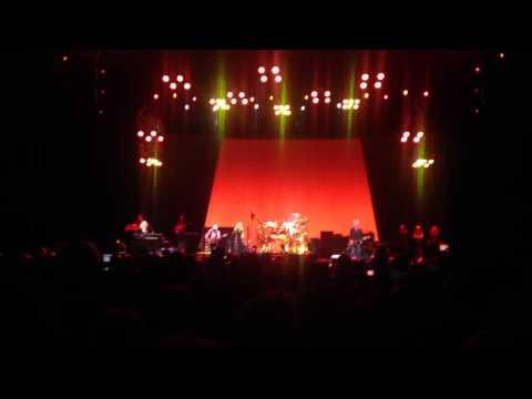 Second Hand News - Fleetwood Mac - Sprint Center - Kansas City - 3/28/15