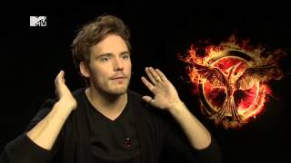 Jennifer Lawrence & Mockingjay Cast on the Funniest Behind The Scenes Moments