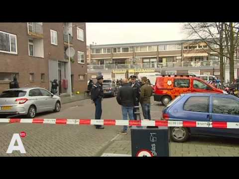 Invallen arrestatieteam in Osdorp
