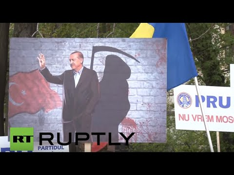 Romania: Hundreds protest construction of Turkey-funded 'mega-mosque' in Bucharest
