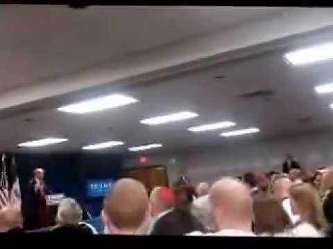 Donald Trump in Newton, Iowa 19-Nov-2015