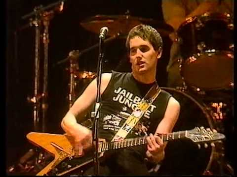 Ash, Lose Control, live at the Reading Festival 1998