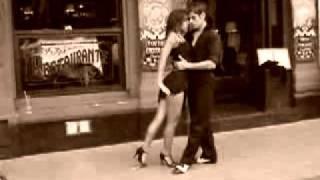 Уличное танго(Все желающие узнать, что-то новое об Аргентине заходите на http://argentinka.ru Клуб Аргентины http://vkontakte.ru/club22503482., 2011-02-07T14:24:38.000Z)