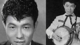 大野義夫,一人五重奏のこの曲は寺本圭一が作詞、作曲、ミッキー・カーチ...