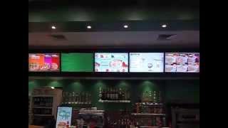 Цифровое меню (Digital Menu Board) из 5 дисплеев. Цифровые вывески Digital Signage в ресторане.(Пример инсталляции Цифровых меню (Digital Menu Board) от компании Personal Solutions. Видео ряд рекламных дисплеев используе..., 2013-06-10T07:51:36.000Z)