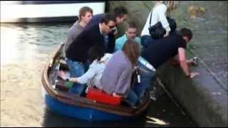 Девушки Упали В Воду С Лодки - Очень Смешное Видео